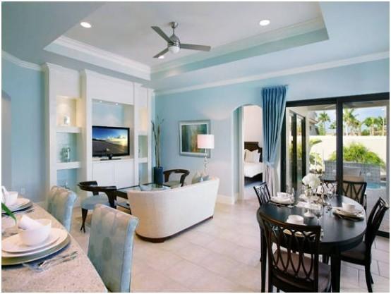地中海风格案例三:沙发,电视背景墙,吊顶,主打的蓝色,房间穿插的